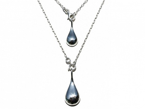 keep your necklace clasp in back with balance bead
