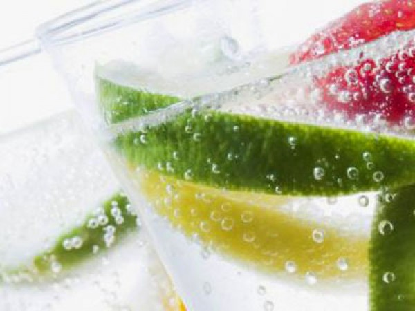 Twist And Sparkle By Isi Seltzer Maker Drink Carbonator