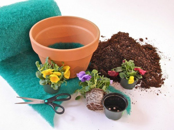 planter drainage material by better than rocks. Black Bedroom Furniture Sets. Home Design Ideas