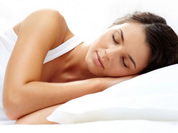 Polar pillow pillow that stays cool for hot flashes for Cool pillow for hot flashes