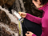 Aquapac: MP3 Case with Waterproof Headphones