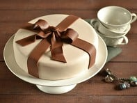 "Brys+Edgewood: ""Enjoy the Present"" Fondant Cake Kit"