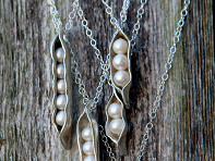 The Vintage Pearl: Sweet Peas in the Pod Necklace Starter Kit
