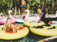 Floatie Kings: Heart Eyes Emoji Pool Float