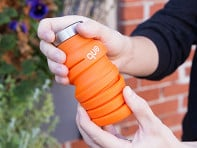 que: Collapsible Silicone Water Bottle - 12 oz - Case of 2