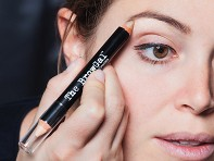 The BrowGal: Eyebrow Highlighter Pencil - Sample