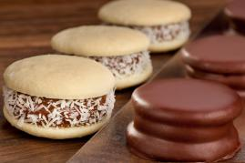 Alfajores (melt in your mouth cookies with a dulce de leche center)